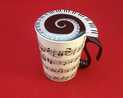 Ceramic Coffee/Tea Mug With Lid Horizontal Music Notes Staves